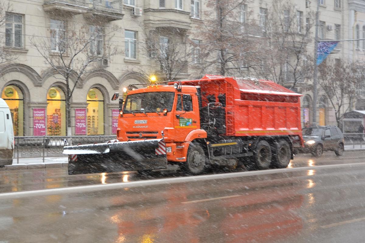 Последствия снегопада нарегиональных автодорогах устраняло 220 единиц техники