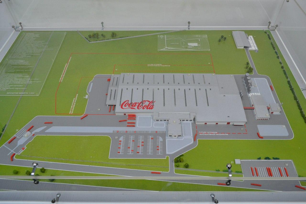 Макет завода. Красные линии показывают возможные границы расширения//Фото с сайта kerrangjke.livejournal.com