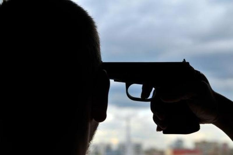 ВРостове наглазах удетей застрелился сотрудник «Стелла-Банк»