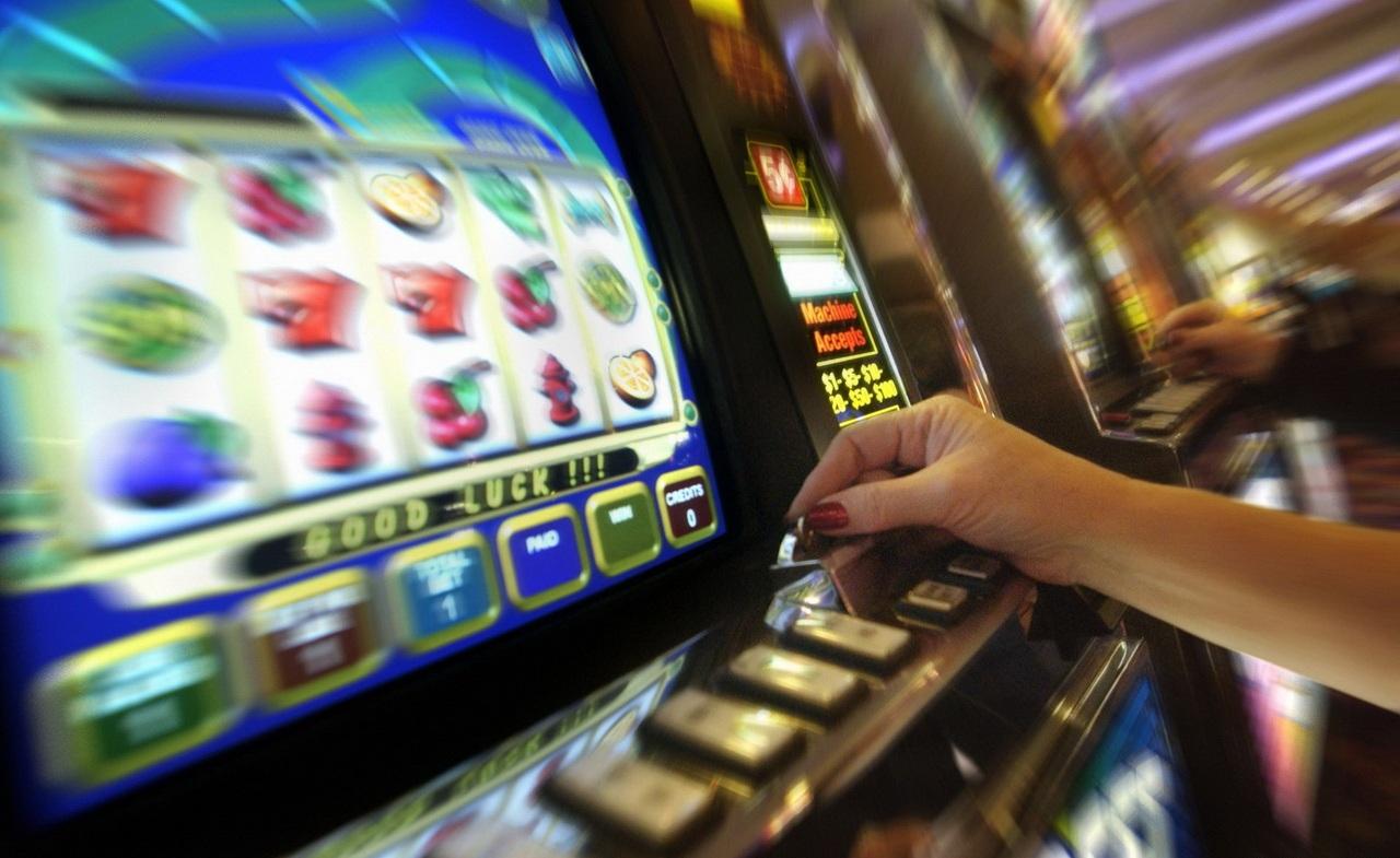 Ростовчанку подозревают внезаконном проведении азартных игр