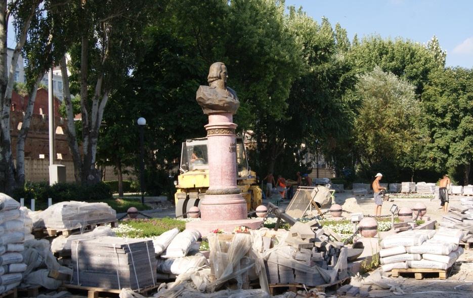 ВРостове наНабережной починят монументы