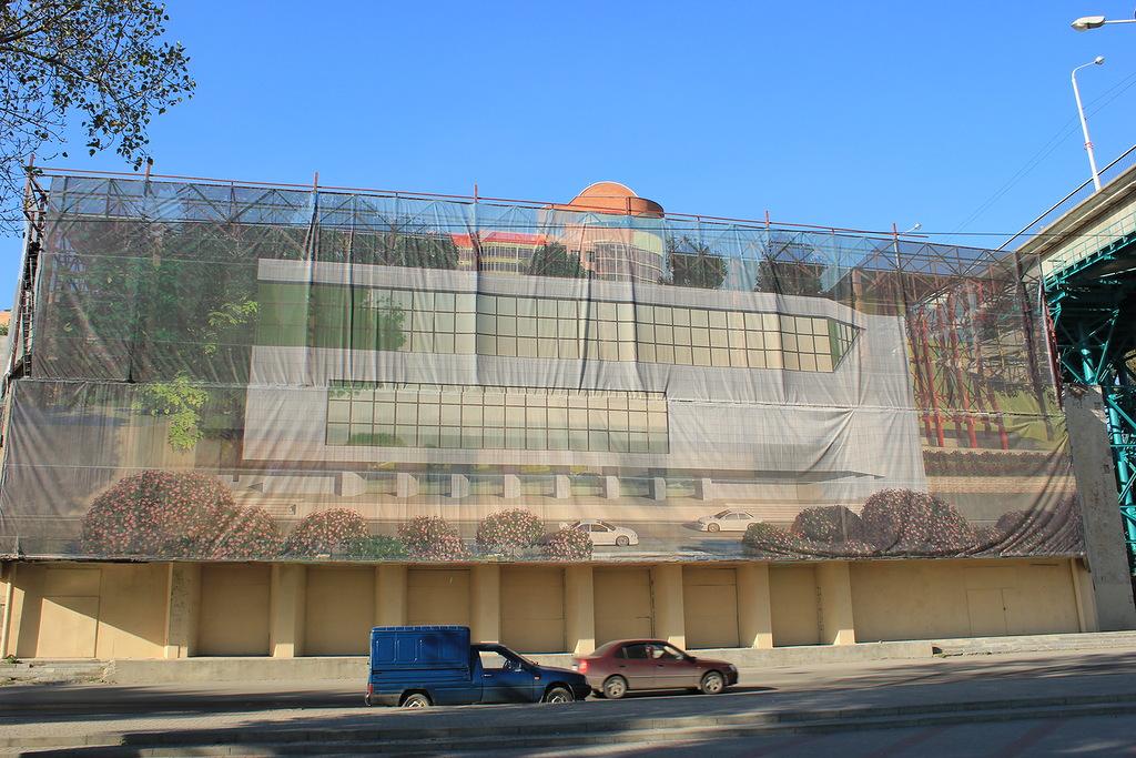 Реконструкция здания прежнего кинотеатра «Прибой» началась нанабережной