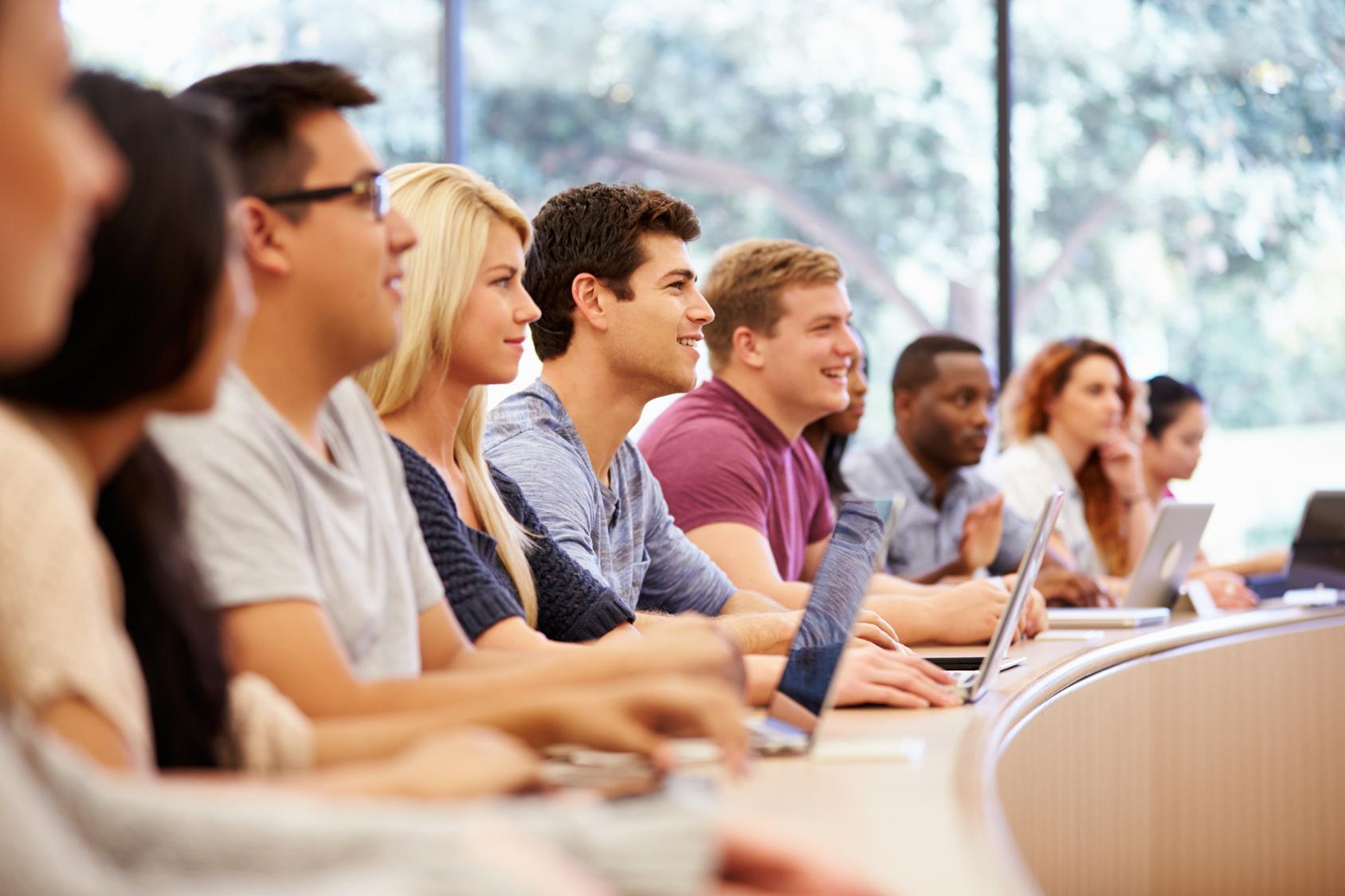 Выдачу образовательных кредитов возобновят осенью 2016 года