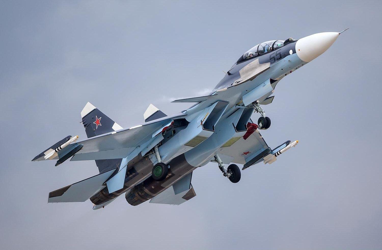 ВРостовской области приняли наслужбу два новых истребителя Су