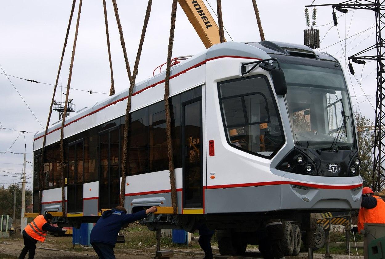 13 новых трамваев «City Star» прибыли вцентральное депо Ростова
