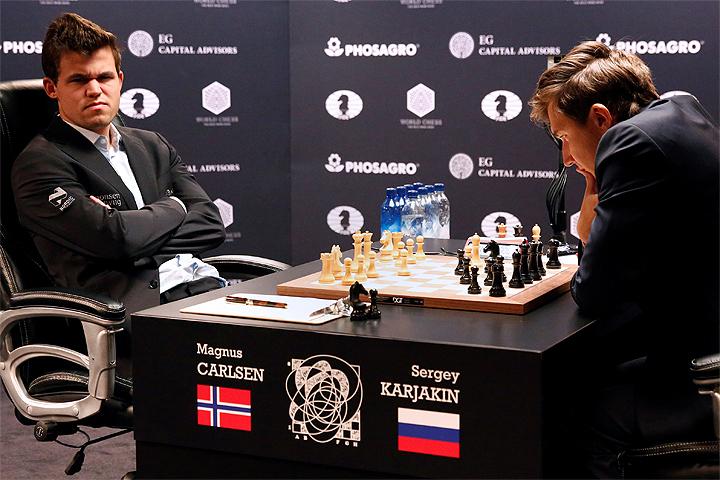 Норвежец Магнус Карлсен обыграл Сергея Карякина впоединке зашахматную корону