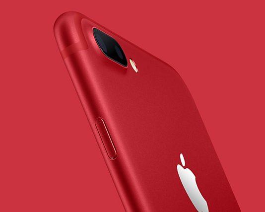 Красный iPhone 7 //Фото с сайта компании Apple