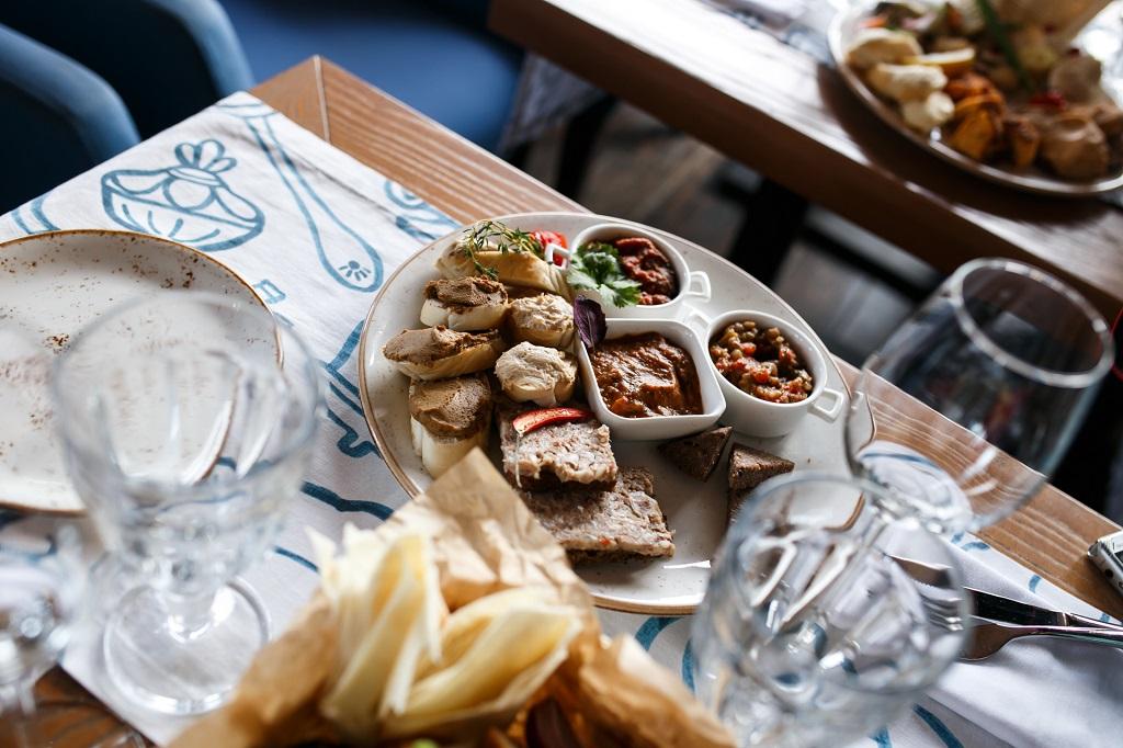 Ресторан локальной кухни «Понтон»