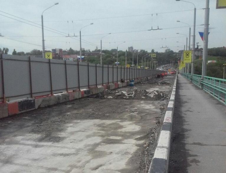 Власти Ростова: Ремонт моста Стачки идет пографику