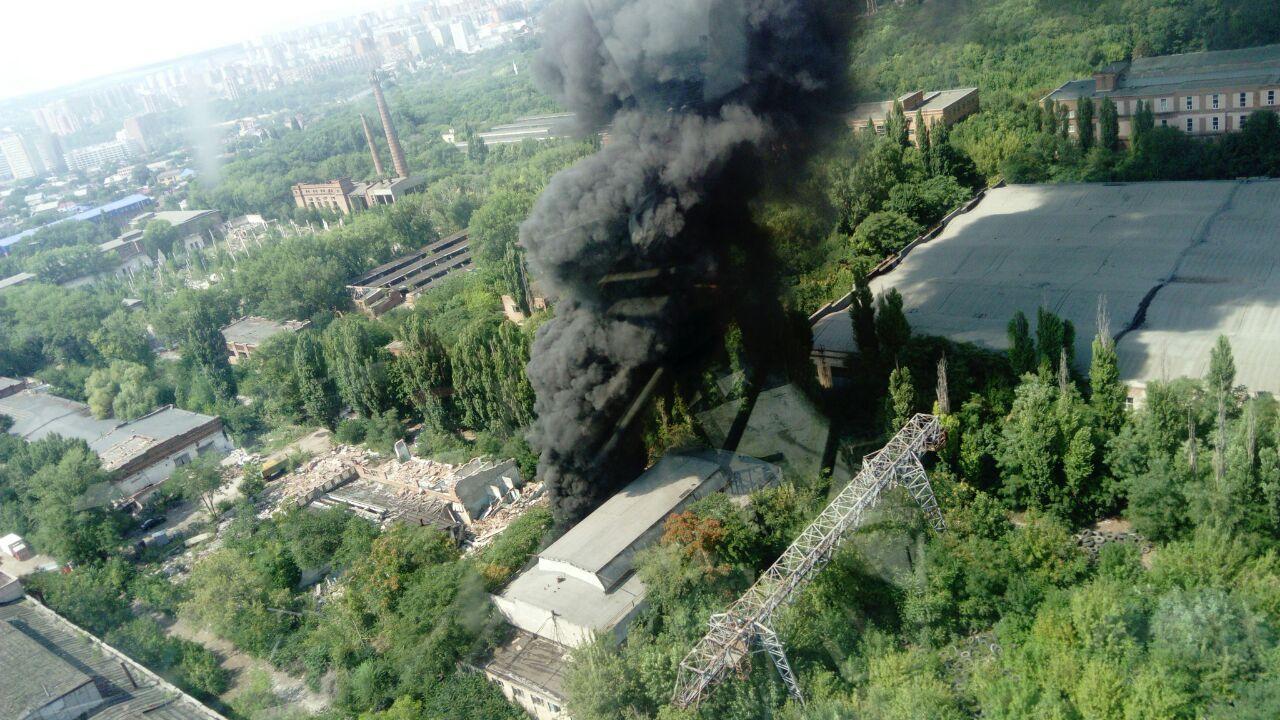 НаНагибина вРостове горело строение завода «Электроаппарат»