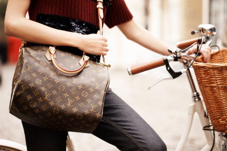 В коммерческом центре Ростова продавали поддельный Louis Vuitton