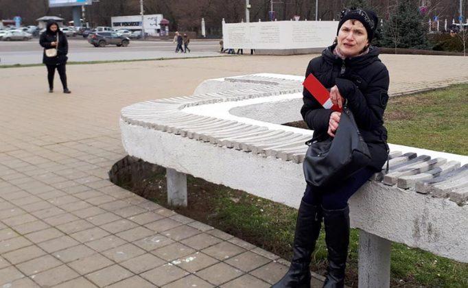 Участница митинга по выдвижению Навального в президенты в Ростове-на-Дону //Фото очевидца /Городской репортер