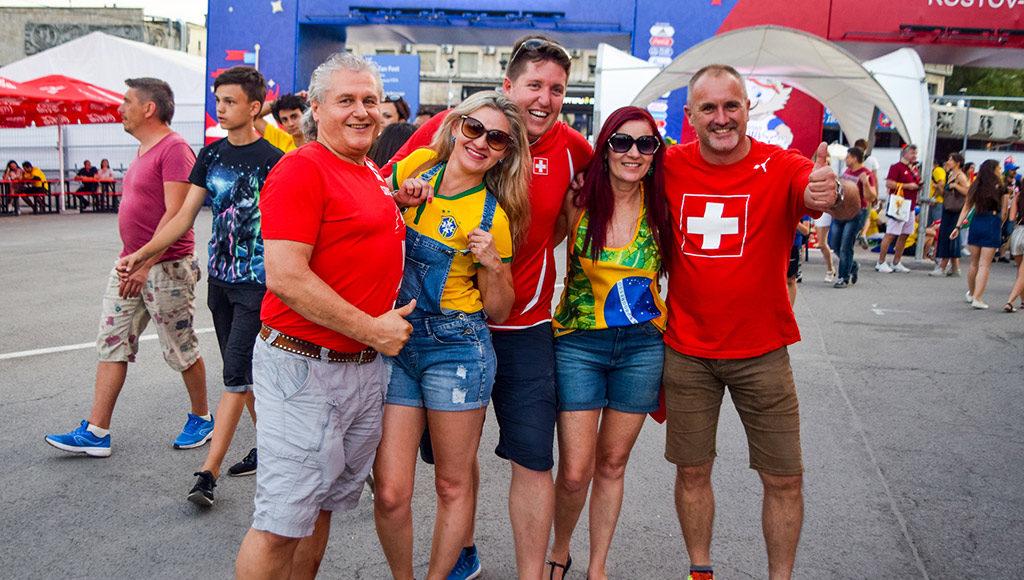 Швейцарские и бразильские болельщики в Ростове //Фото: Алекс Холев