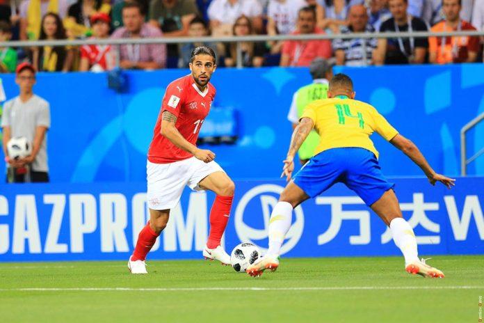 Момент матча между сборными Бразилии и Швейцарии на стадионе