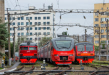 Электропоезда ЭР9П, ЭП3Д и ЭД4М в ростовском электродепо //Фото с сайта trainpix.org