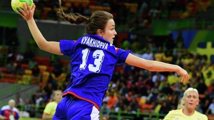 Гандболистка Анна Вяхирева в матче с Германией// Фото: сайт ГК