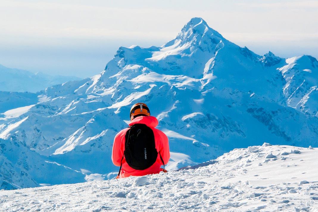 Турист на склоне горы Эльбрус //Фото: Татьяна Черникова