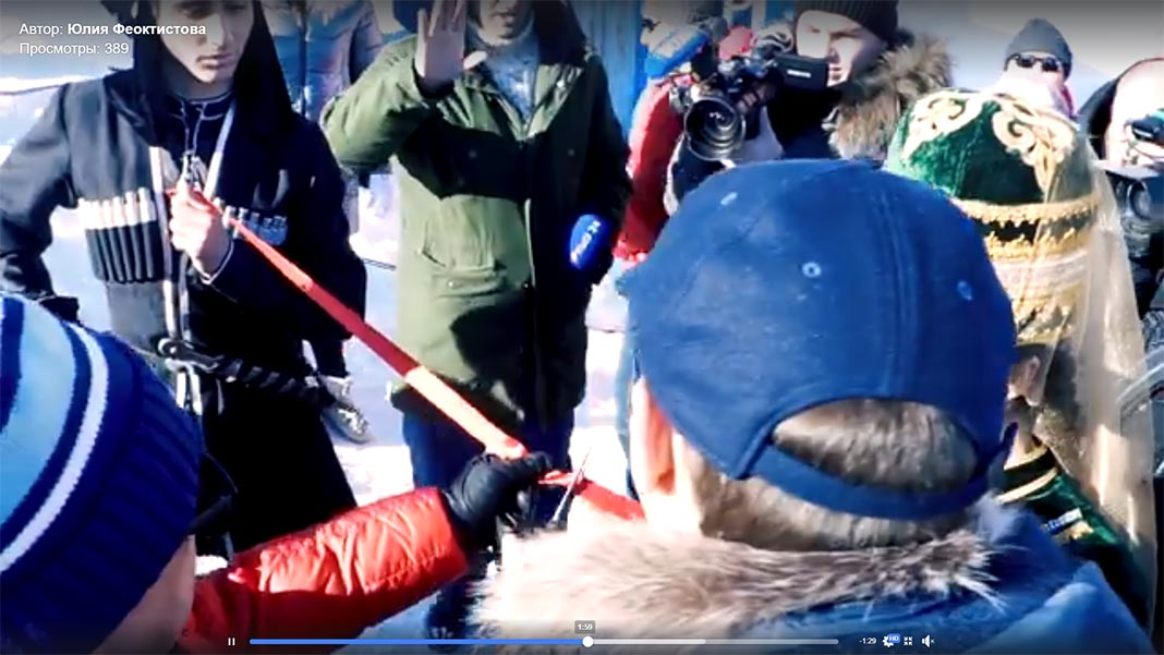 Перерезание красной ленточки перед запуском базовой станции в работу //Фото: МТС