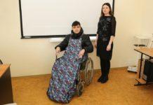 Образец адаптивной одежды для инвалидов-колясочников, разработанный в ДГТУ //Фото: пресс-служба ДГТУ