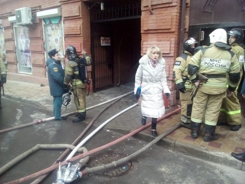 В центре Ростова в результате пожара в квартире погиб человек //Фото: кадр из сюжета Дон-ТР