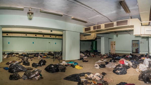 Вещи погибших при крушении самолета найдены под старым аэропортом//Фото: газета