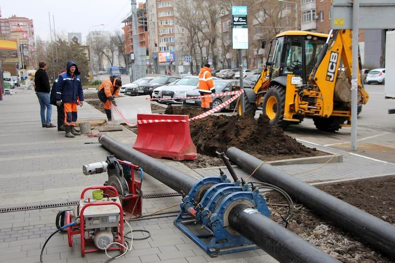 Ремонт канализации//Фото: пресс-служба администрации Ростова