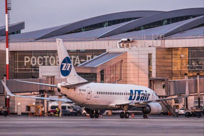 Авиалайнер Boeing 737-500 авиакомпании UTair на перроне аэропорта Платов //Фото: Михаил Кругликов