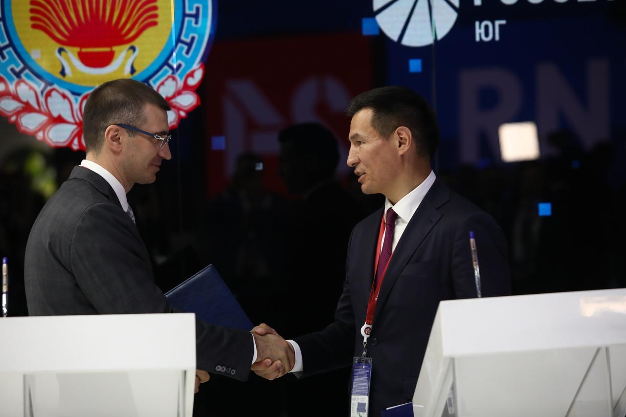 «Россети Юг» подписали соглашение о сотрудничестве с Республикой Калмыкия//Фото: пресс-служба компании
