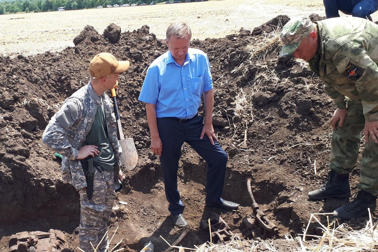 Раскопки останков солдат в Куйбышевском районе//Фото: правительство Ростовской области