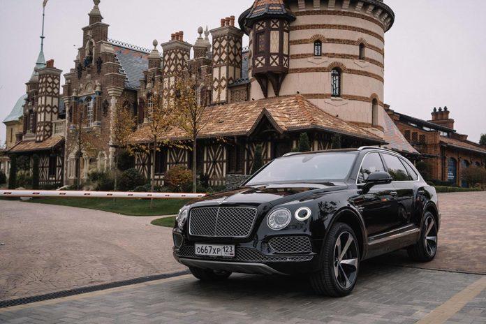 Bentley отметила 100-летие элегантным тест-драйвом по Ростовом //Фото: Ключавто