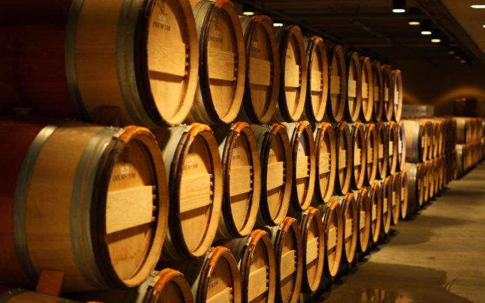 Бочки с вином//Фото: drive2.ru