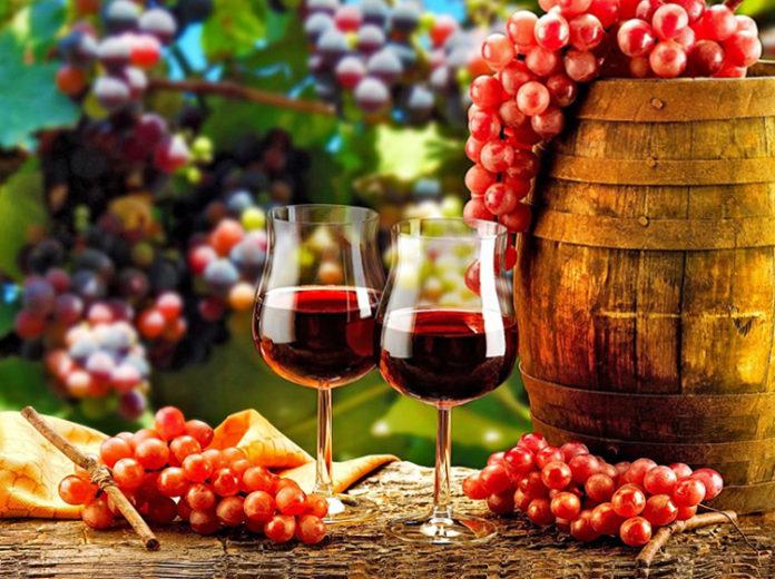 Вино//Фото: ozwine.ru