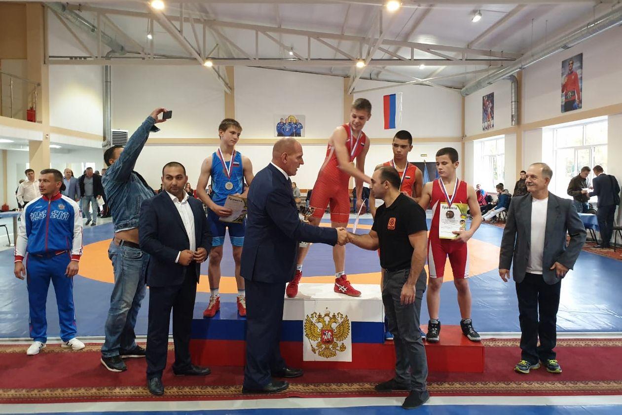 В Батайске открылся зал спортивной борьбы имени братьев Самургашевых//Фото: правительство Ростовской области