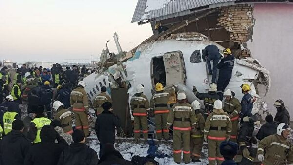 Крушение самолета в Казахстане//Фото: РИА Новости
