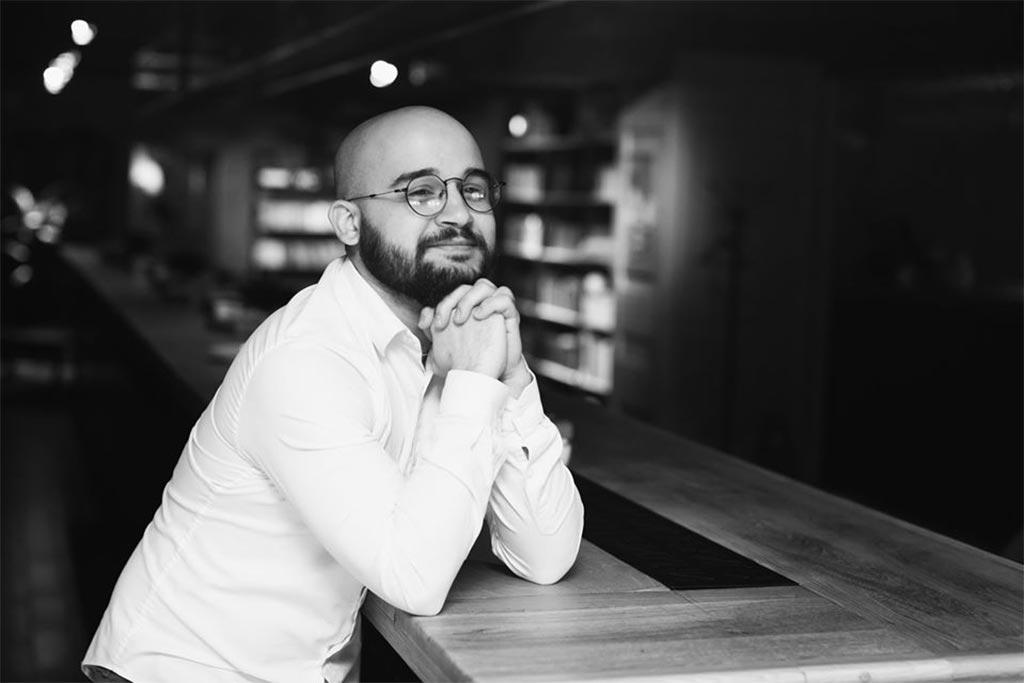 Артур Акопов, совладелец ресторана «Книжный» //Фото из профиля героя в соцсети ВК