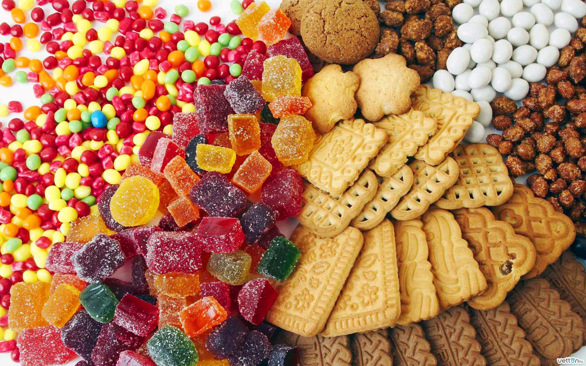 Конфеты, мармелад, печенье//Фото: 1UL.RU