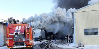 Пожар на складе лесоторговой продукции//Фото: ГУ МЧС России по Ростовской области