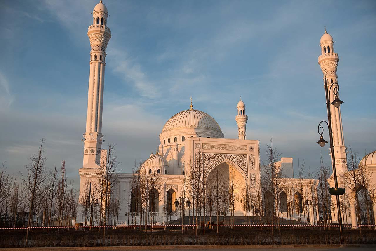 """Мечеть """"Гордость мусульман"""" в Шали //Фото: Елена Синеок"""