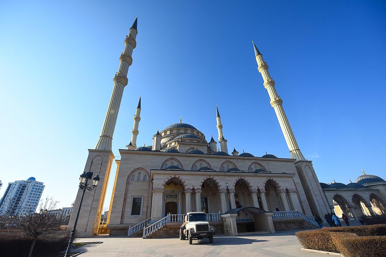 "Мечеть ""Сердце Чечни"" //Фото: Елена Синеок"