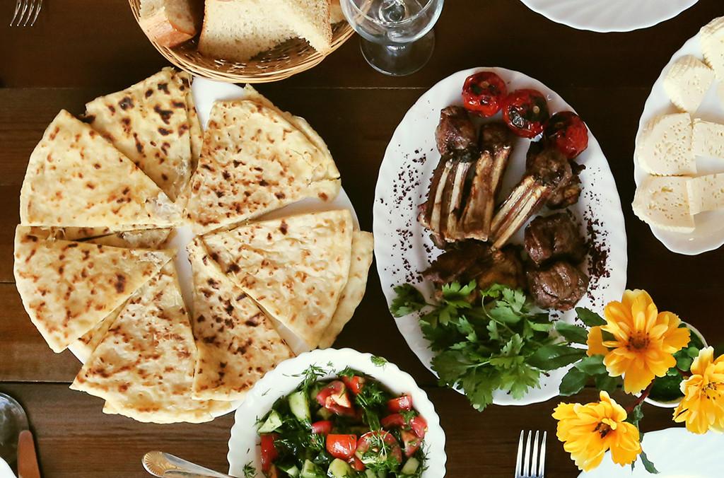Блюда чеченской кухни //Фото с сайта ingur.ru