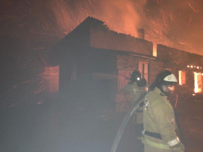 Пожар в Донецке//Фото: МЧС России по Ростовской области