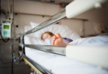 Ребенок в больницу//Фото: amp.politeka.net