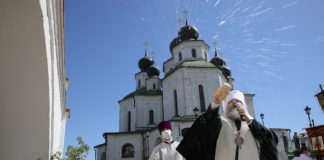 В Старочеркасской открыли после реставрации колокольню Воскресенского войскового собора//Фото: правительство РО
