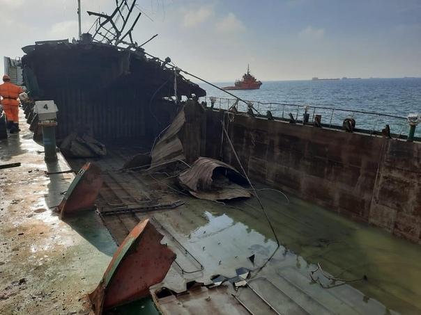 взрыва на нефтяном танкере «Генерал Ази Асланов» в Азовском море//Фото:Вконтакте